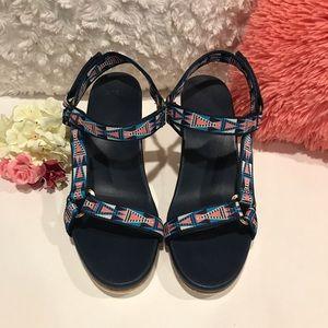 Teva Arrabelle Universal Blue Mosaic Sandal 7.5